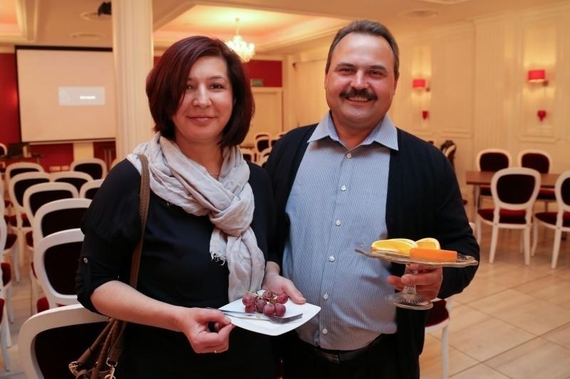 Razem będzie nam raźniej – mówią Anna i Wiesław Lenkiewiczowie z Białegostoku, którzy marzą o zrzuceniu zbędnych kilogramów. – Nie trzeba będzie gotować osobnych obiadów. I jedno drugiego będzie motywować i pilnować – dodają.