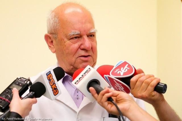 prof. dr hab. Andrzej Kűbler, szef Kliniki Anestezjologii i Intensywnej Terapii USK