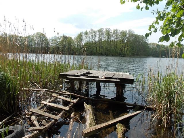 Jezioro w Kłodawie leży zaledwie 10 minut rowerem od Gorzowa