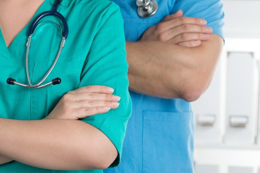 Koronawirus. Lekarze nie godzą się na uciszanie w sprawie epidemii. Fundacja Aliva organizuje kampanię informacyjną
