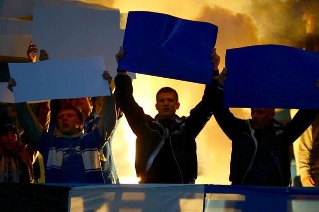 We wtorek wojewoda Piotr Florek ogłosi swoją decyzję w sprawie wniosku policji o zamknięcie na jeden meczu INEA Stadion. To ma być kara za pirotechnikę użytą w oprawie meczu Lecha z Jagiellonią.