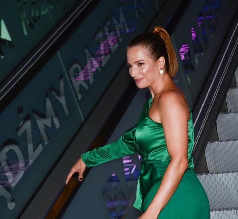 Jest naprawdę lubiana! Atrakcyjna Anna Dereszowska... naga w fotelu! Aktorka zachwyca nie tylko... inteligencją ZDJĘCIA 28.08.2021