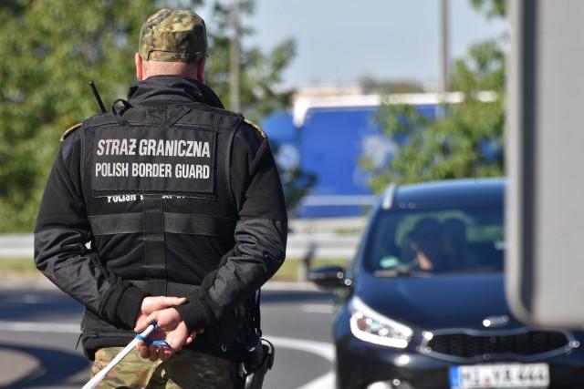 Straż graniczna zatrzymała w Świecku trzech obywateli Iraku, którzy chcieli nielegalnie przekroczyć granicę z Niemcami.