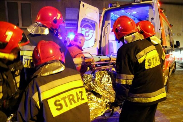 W nocy, 6 kwietnia, po godz. 4, bydgoscy strażacy otrzymali zgłoszenie o wybuchu pożaru w wieżowcu na ul. Gawędy w Fordonie. Poszkodowana została jedna osoba.