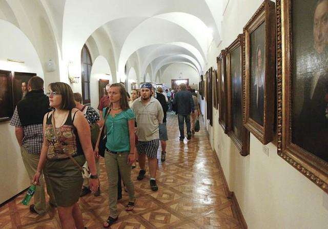 Noc Muzeów w RzeszowieDo godz. 1 w nocy tłumy mieszkańców oglądały atrakcje przygotowane przez 12 muzeów w Rzeszowie.