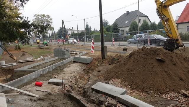 Przy zbiegu ul. Naramowickiej i Boranta powstaje nowy skwer i chodnik