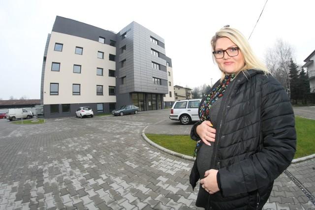Marcelina Łękawska zastanawia się nad wyborem szpitala, w którym urodzi pierwsze dziecko. Może w nowym sądeckim Medikorze?