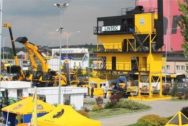 Trójkondygnacyjne maszyny na targach AUTOSTRADA robią wrażenie. fot. Dawid Łukasik