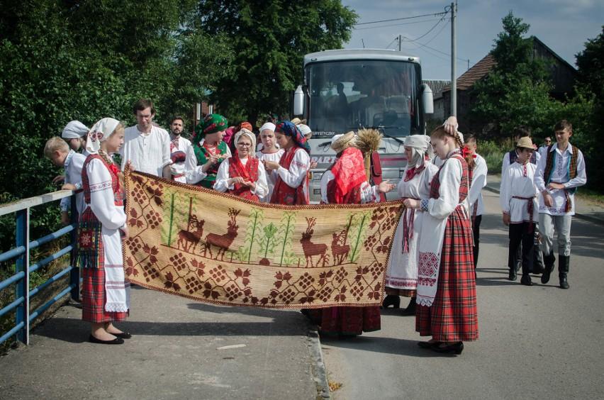 Grabarka Fionika Oleń po boru chodit