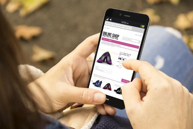 """Jak wynika z raportu """"Pulse of the Online Shopper"""" z 2017 roku, kluczowym czynnikiem mającym wpływ na decyzje zakupowe zagranicą jest bezpieczeństwo płatności."""