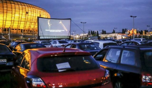Kino samochodowe w Letnicy. Z problemami, ale i wielkim zainteresowaniem