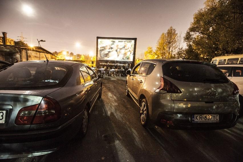 Kino samochodowe cieszy się dużą popularnością