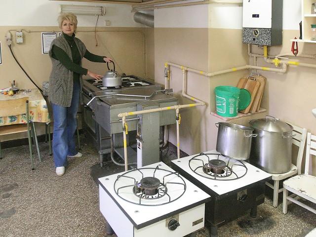 W bursie przy ul. Wawrzyniaka mieszka 82 uczniów ze szczecińskich szkół artystycznych. Jeżeli kuchni nie uda się wyremontować do grudnia 2006 roku, służby sanitarne mogą zamknąć stołówkę.