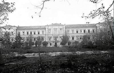 Budynek szkoły kadetów w Łobzowie. Fot. Archiwum, Wojciech Matusik