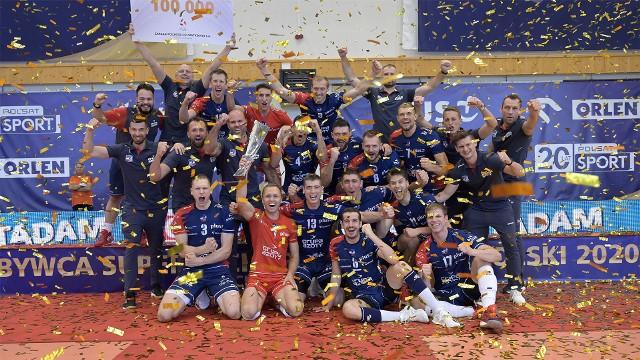W decydującym meczu Grupa Azoty ZAKSA Kędzierzyn-Koźle okazała się lepsza od PGE Skry Bełchatów.