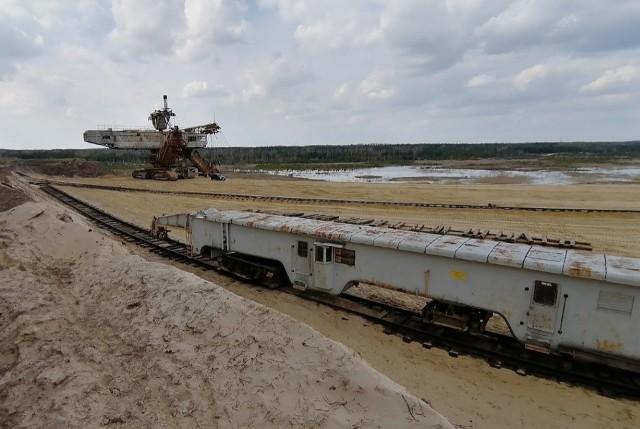 Zbiornik Kotlarnia postanie na terenie wyrobiska kopalnianego gdzie wciąż pracuje ciężki sprzęt i wydobywane są kruszywa.