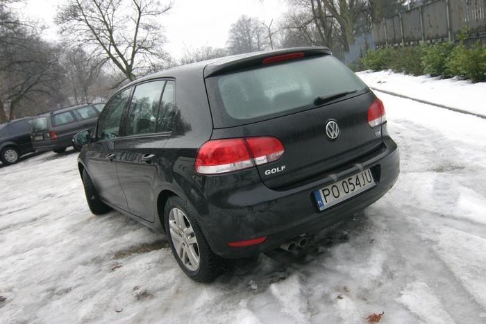 Pod koniec zeszlego roku na polskim rynku pojawil sie nowy Volkswagen Golf. Zbieglo sie to z 35. rocznicą debiutu pierwszej generacji tego modelu.
