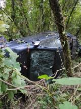 Wypadek na zakopiance w Myślenicach. Auto wypadło z drogi