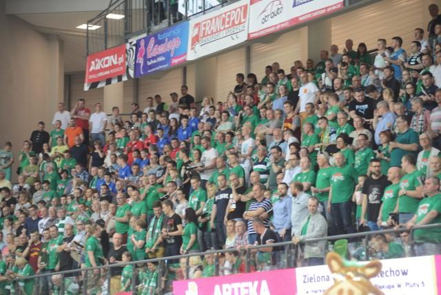 Zielonogórscy kibice nie wyobrażają sobie, by w lidze mogło zabraknąć obrońcy tytułu tylko z powodu spóźnienia.