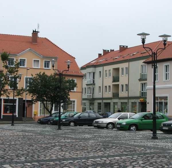 Na odtworzenie historycznego placu w centrum wydano ponad 2 mln zł. Najwięcej, bo 1,5 mln zł dała gmina.