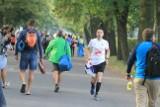 36. PKO Wrocław Maraton w niedzielę. Przez wiele godzin będą utrudnienia [ROZKŁAD JAZDY MPK, TRASA, ZAKAZ PARKOWANIA, OBJAZDY]
