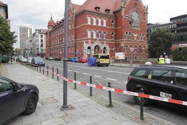 Tragiczny wypadek w centrum Katowic. Autobus przejechał młoda kobietę.