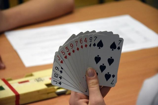 W Białymstoku wracają piątkowe turnieje brydżowe