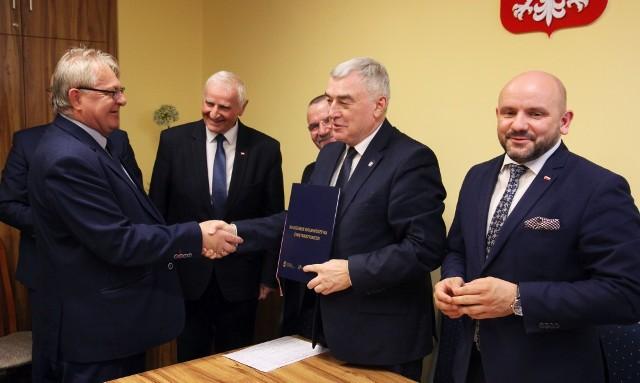 Projekt firmy P.P.U.H. Zapała, Zdzisława Zapały otrzymał ponad 1 milion 818 tysięcy złotych dofinansowania na innowacyjny projekt.