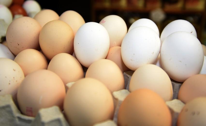 Główny Inspektorat Farmaceutyczny wydał decyzje o wycofaniu popularnego produktu. W jajach może występować salmonella. fot. pawel lacheta/ express ilustrowany