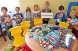 """Akcja """"Nie jest kolorowo"""". Zbiórka przyborów szkolnych dla dzieci z polskich placówek na Kresach Wschodnich"""