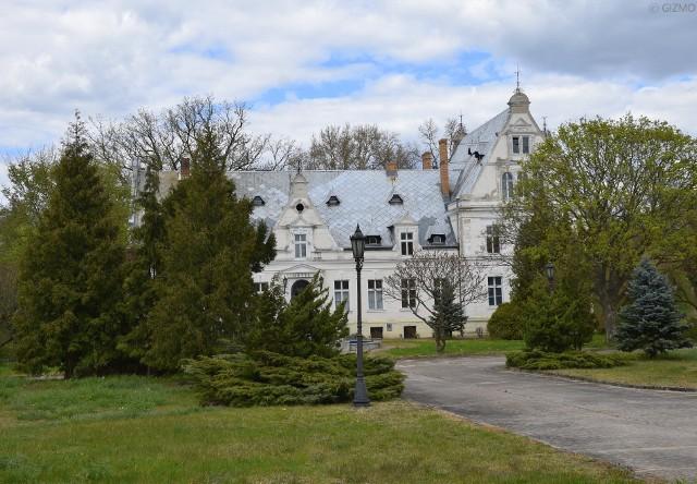 Pałac w Ojerzycach powstał pod koniec XVII lub na początku XVIII wieku.