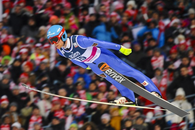 Dzisiaj skoczkowie zmierzą się na skoczni z Innsbrucku.
