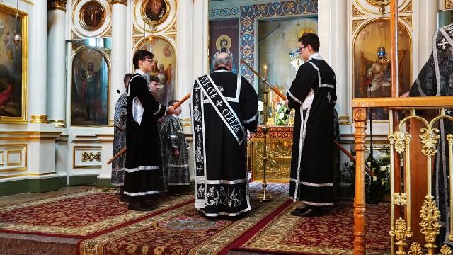 Uroczystości Wielkiego Piątku w soborze św. Mikołaja w Białymstoku.