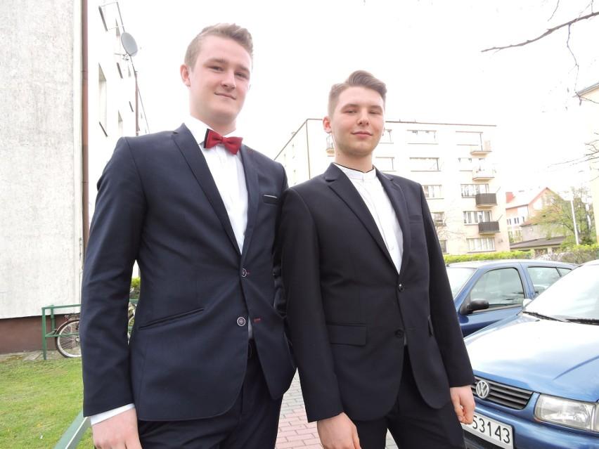 Radosław Dąbrowski i Karol Bednarczyk są zadowoleni z matury z matematyki