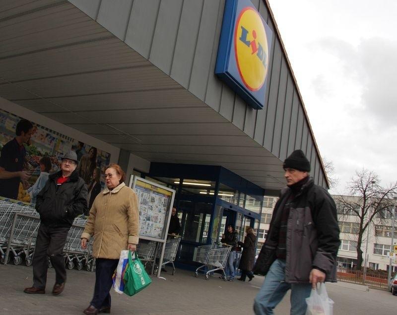 Przed sklepem Lidl w Lęborku od kwietnia będzie zatrzymywała się dwójka.