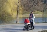 Wyjątkowo niebezpieczne wózki dla dzieci! Zagrażają bezpieczeństwu dziecka. Zobacz najczęstsze wady konstrukcyjne. Jak kupić dobry wózek?