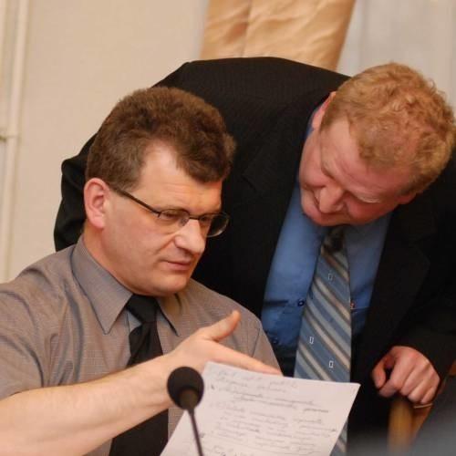 Ryszard Masalski (z lewej) i Grzegorz Chudomięt, podobnie jak większość radnych, nie zgadzają się z uzasadnieniem sądu.