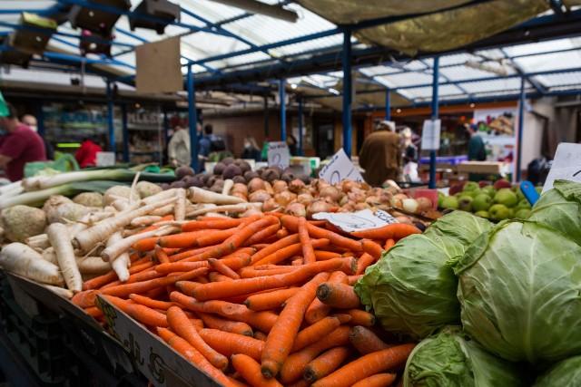 Ceny warzyw i owoców na krakowskich targowiskach
