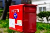 Poczta Polska listy polecone wrzuci do skrzynki. Koniec z awizo zostawianym przez listonosza? Wyjaśniamy!