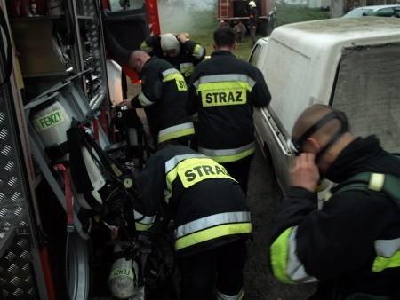 W czasie akcji strażacy mieli do dyspozycji cysternę, w której była zmagazynowana potężna dawka - 18 tys. litrów wody.