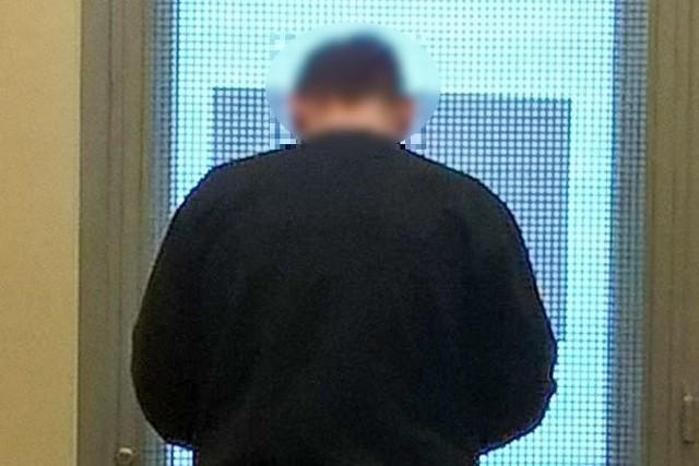 31-latek został już przesłuchany przez policjantów. We wtorek (3 stycznia) mężczyzna miał zostać doprowadzony do Prokuratury Rejonowej w Żaganiu, gdzie usłyszy zarzut kradzieży rozbójniczej. Za to przestępstwo grozi mu kara do 10 lat pozbawienia wolności.