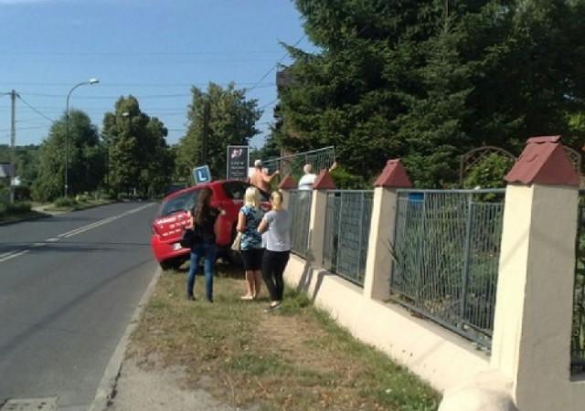 Wypadek samochodu nauki jazdy w Rybniku