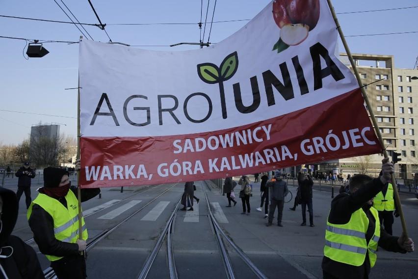 Jednym z postulatów Agrounii w czasie zeszłorocznych protestów było wprowadzenie obowiązku oznaczania warzyw sprzedawanych luzem. Dziś sprawdzają, czy ten przepis jest respektowany