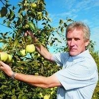 Sprzedaję jabłka we własnych punktach i przerabiam je na soki oraz cydry. Nie oddaję ich na skup - mówi Jan Skibicki z Kurian