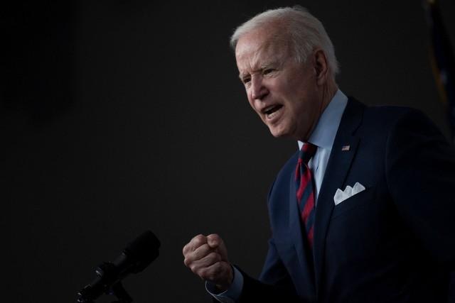Prezydent USA Joe Biden rozmawiał z prezydentem Rosji Władimirem Putinem. Tematem bezpieczeństwo, cyberataki i sytuacja na Ukrainie