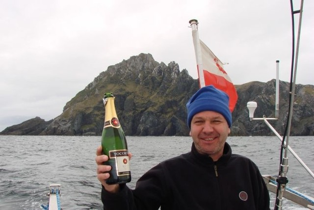 Oto Horn. Uroczystą chwilę Sławomir Gołąb wraz z załogą uczcili szampanem.