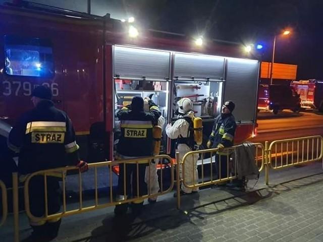 W piątek, 27 marca, strażacy z OSP Przytoczna dostali wezwani do nietypowego zdarzenia. Musieli usunąć nieczystości, które wylały się na drogę  Droga krajowa nr 24 w Przytocznej była zablokowana przez kilka godzin. Strażaków z OSP Przytoczna wsparli druhowie z PSP Międzyrzecz i PSP Gorzów. Zobacz wideo: Wypadek cysterny na A2. Na jezdnię wyciekły 24 tony czekoladywideo: TVN24 (9.05.2018)