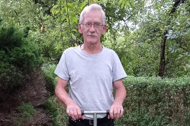 Jan Meller z bydgoskiego Instytutu Technologiczno-Przyrodniczego bada wilgotność gleby od ponad 40 lat
