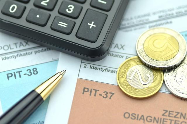 PIT 2020 za 2019 rok - są nowe terminy składania zeznać podatkowych. Sprawdź, o czym musisz pamiętać, rozliczając się z fiskusem!