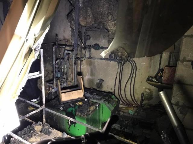 Tuż przed godziną 2.00 w nocy z poniedziałku na wtorek białostocka straż pożarna została wezwana do palącej się piwnicy w domu jednorodzinnym w miejscowości Bohdan. Ogień rozwinął się dosyć mocno.